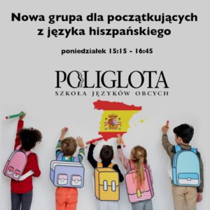 Dzieci z kolorowymi plecakami, malujące po ścianie flage Hiszpanii.